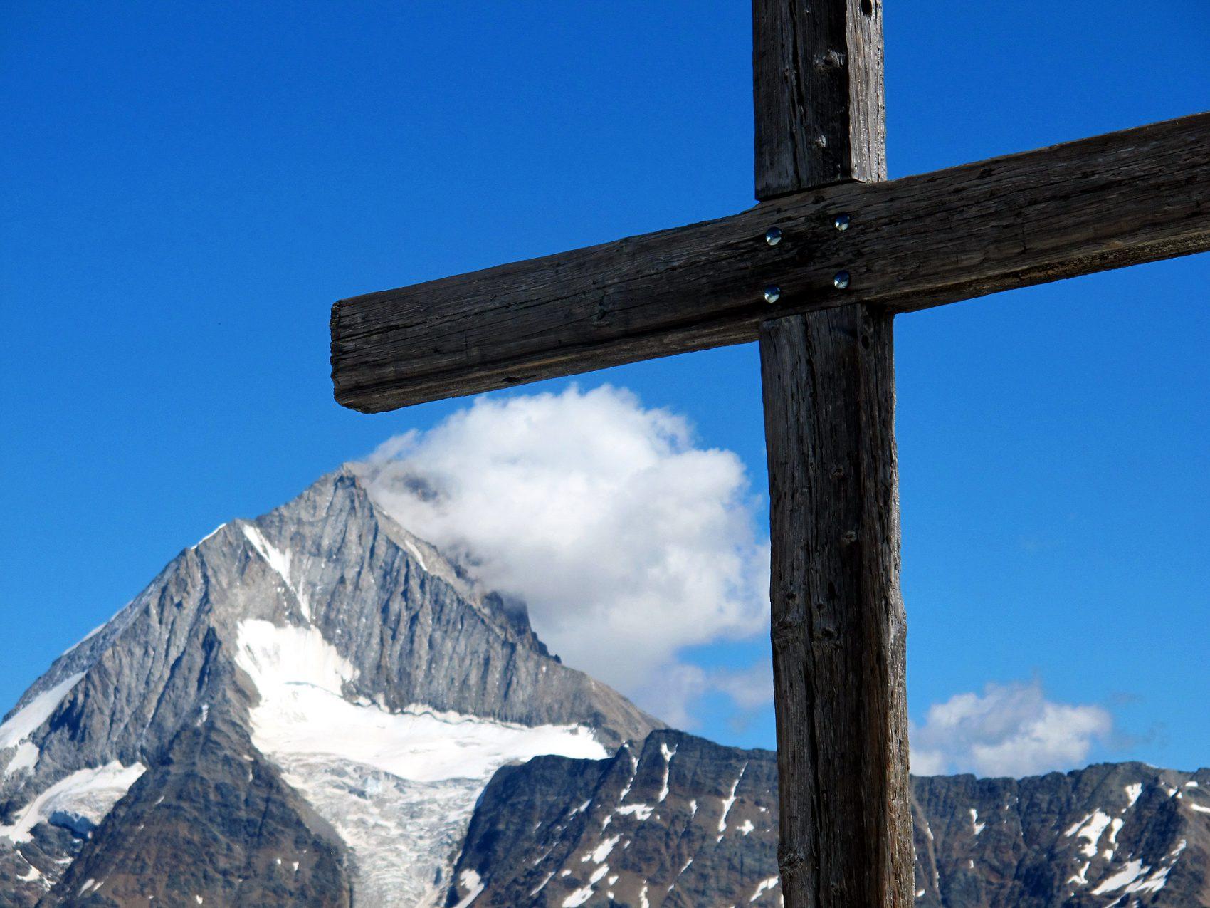 IMG_3903.jpg lötschenpasshütte