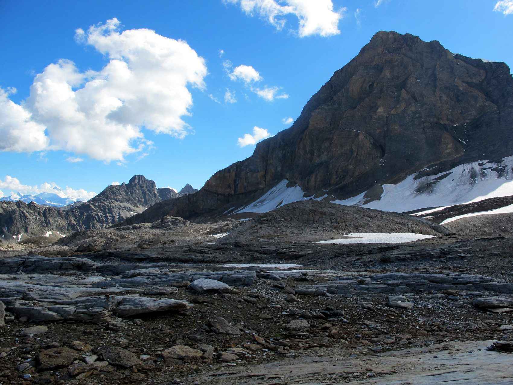 IMG_3912.jpg lötschenpasshütte